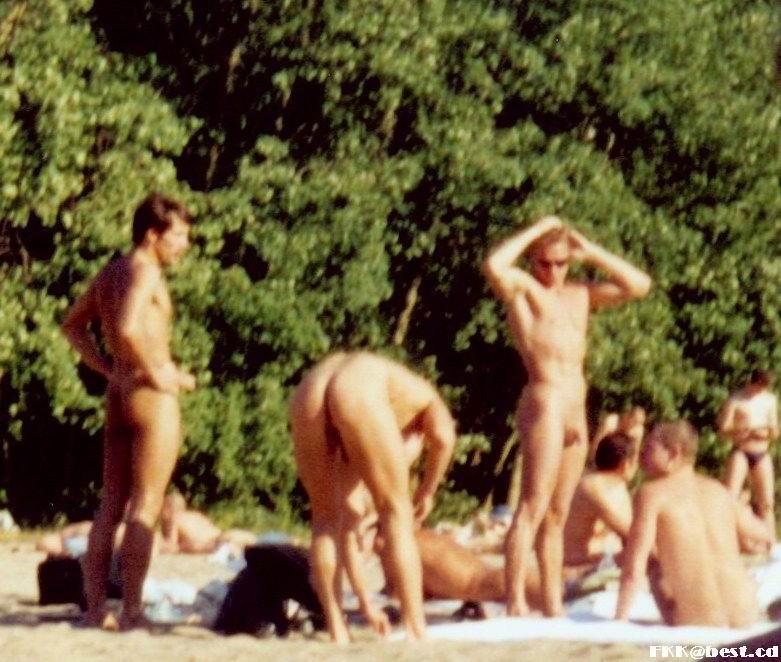 Смотреть секс нудистов на пляжах в развратной порно